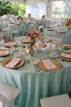 Beautiful wedding tables and centerpieces! I LOVE this color!!! :)