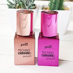 Ik heb deze nagellak gekocht in Duitsland afgelopen weekend en was erg benieuwd. Binnenkort op mn blog! #nagellak #nailpolish #blog #blogger #beauty #p2 #chrome #pink #dm