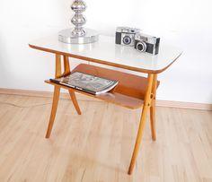 Formschöner Beistelltisch 1950s von WildAndVintage auf DaWanda.com