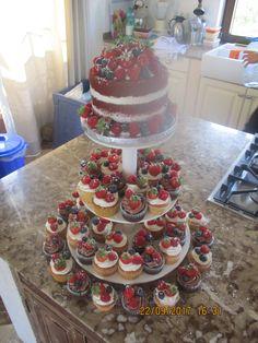 6137e50f2cf Naked cake y cupcakes En Palma de Mallorca. Desirae Ravenscroft · Engagement  party cakes