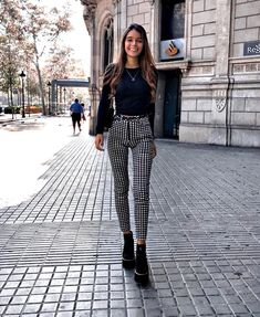 145 perfect spring outfits to copy nowwachabuy page 47 145 perfect spring outfits to copy nowwachabuy page 47 Stylish Summer Outfits, Spring Outfits, Trendy Outfits, Winter Outfits, Paris Spring Outfit, Modern Fashion Outfits, Paris Outfits, Neue Outfits, Moda Fashion