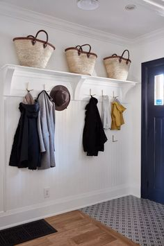 21 Mudroom Storage and Organization Ideas Residential Interior Design, Commercial Interior Design, Small Storage, Storage Spaces, Ikea Ivar Cabinet, Entry Nook, Modern Kitchen Renovation, Cozy Coffee Shop, Ceiling Shelves