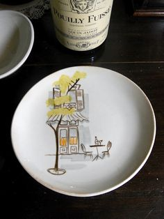 Montmartre by Red Wing Pottery -- I'm looking for something new to collect from Red Wing... since I never see it... I think I will go for it!!!
