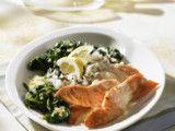 Lachs in Zitronensoße zu Spinat Rezept