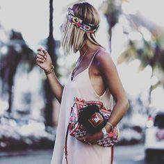 #yestip: Crea looks de lo más utilizando los accesorios los colores y los estampados  que te ayudan a exteriorizar tu estilo por ESENCIA.  Feliz domingo !!! #asesoriadeimagen #personalshopper #imagenyestilo #imageconsultant #asesorademoda #asesoradeestilo #tendencias #consultoriadeimagen #streestyle #accesories #complementos #details #inspirationstyle #bag #estilocreativo #style #tendencias #summer #estilopersonal #sellopersonal #atrévete #empodérate #empoderada