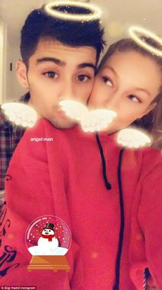 Gigi Hadid & Zayn Malik's Families Celebrate Christmas as One!: Photo Gigi Hadid and Zayn Malik are bringing their families together for the holiday season! The model and the singer are spending Christmas… Zayn Malik Family, Zayn Malik Pics, Zayn Mailk, Tyga And Kylie, Kendall Jenner, Gigi Hadid And Zayn Malik, Rafael Miller, Thing 1, Famous Couples