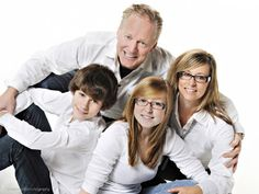 08-09-2010 - Top Five Poses For Family Portraits
