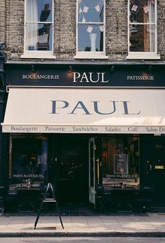 Paul | London -★- for pain a chocolat