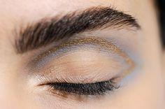 Inspiração para olhos de primavera 2015 - http://fashionloops.pt/2015/04/08/inspiracao-para-olhos-de-primavera-2015/
