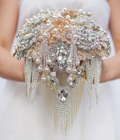 The Great Getsby brooch bouquet Jeweled Bouquet / http://www.deerpearlflowers.com/bling-brooch-wedding-bouquets/