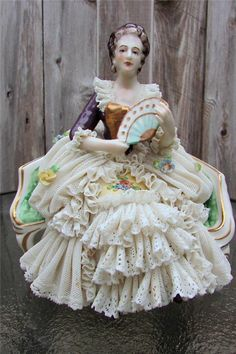 """Dresden Lace Blue Crown Mark Lady/Woman Sitting on Sofa/Couch/Settee 6"""" Tall"""