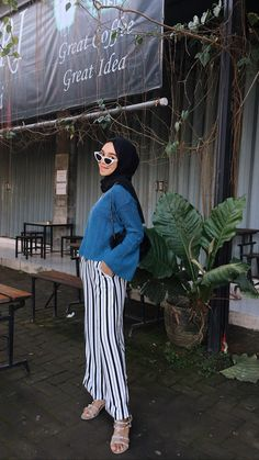 Hijab Fashion, Fashion Outfits, Ootd Hijab, Casual Outfits, Pants, Style, Trouser Pants, Swag, Fashion Suits