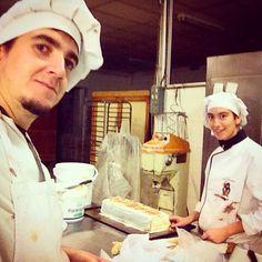 Turroneando con @raquelvig8  en las practicas de panaderia