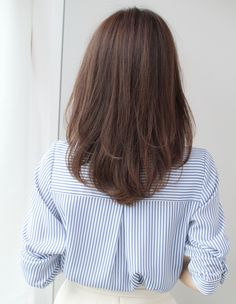 Short Layered Hair Style - 60 Classy Short Haircuts and Hairstyles for Thick Hair - The Trending Hairstyle Haircuts For Medium Hair, Haircut For Thick Hair, Medium Hair Cuts, Long Hair Cuts, Medium Hair Styles, Curly Hair Styles, Medium Asian Hair, Haircut For Medium Length Hair, Half Long Hair