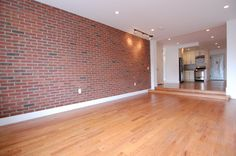 In the market for a #WashingtonHeights 3BR/2BA stunner thats #NOFEE? Then #MoveUptown to this week's #BohemiaMidWeekFeature! Boasting high ceilings, large bedrooms, tons of light, stainless steel appliances and more - all within an elevator & laundry building!