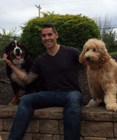 Pittsburgh Penguins: Pascal Dupuis and his family's two dogs during the 2015 Penguins and Paws calendar shoot for the Animal Rescue League Shelter & Wildlife Center Pens Hockey, Ice Hockey Teams, Hockey Players, Hockey Stuff, Pittsburgh Sports, Pittsburgh Penguins Hockey, Pascal Dupuis, Animal Rescue League, Lets Go Pens