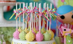 in love with the colours, ribbons and buttons of these cake pops Lalaloopsy… 4th Birthday Parties, Birthday Celebration, Girl Birthday, Birthday Ideas, Lalaloopsy Party, Doll Party, Princess Poppy Cake, Cute Cakes, Cake Pops