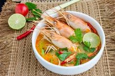 Tom yam kung or Tom yum, Tom yam is a spicy clear soup typical in Thailand and Thai Dish Cuisine. Thai Recipes, Cooking Recipes, Clear Soup, Tom Yum Soup, Thai Dishes, Yams, Thai Red Curry, Shrimp, Spicy
