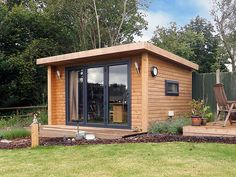 This archive of articles looks at the work of Green Retreats one of the biggest suppliers of garden room buildings. Shed Office, Backyard Office, Outdoor Office, Backyard Studio, Backyard Sheds, Garden Studio, Garden Office, Outdoor Living, Nice Backyard