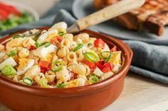 Sommerkoteletter og makaronisalat | Coop Marked Pasta Salad, Grilling, Food And Drink, Live, Eat, Ethnic Recipes, Crickets, Cold Noodle Salads, Noodle Salads