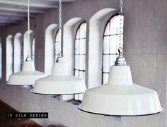 Hängelampen - Fabriklampe Emaille Lampe Factory Lamp Enamel - ein Designerstück von 10kgdesign bei DaWanda