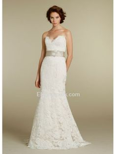 Elegant Fit and Flare Sweetheart Brush Train Lace Wedding Dress With Ribbon (jh8210)