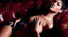 """Rihanna pose topless et avoue : """"je préfère simplement laisser le contrôle à mon partenaire"""""""