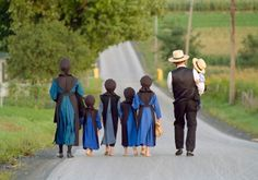 Lancaster County's Amish Community is one of the largest in the United States, and they adhere to strict beliefs and values. Discover how the Amish dress, view technology, and add members to the Amish church. Amish Pie, Amish Proverbs, Amish Village, Ontario, Amish Family, Holmes County, Amish Culture, Westerns, Amish Community