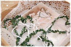 #Platzkarten zur #Hochzeit werden vesendet. http://de.dawanda.com/product/74943415-10-herzen-platzkarten-hochzeitsdeko