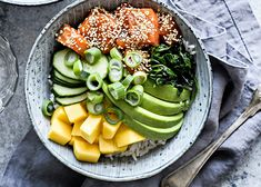 Ännu en exotisk poke bowl att älska! | ELLE mat & vin Snack Recipes, Cooking Recipes, Healthy Recipes, Snacks, Healthy Foods, Poki Bowl, Good Food, Yummy Food, Fish And Seafood