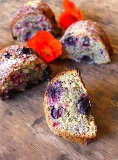 Gluten, Dairy & Sugar-Free Lemon, Berry & Poppy Seed Cake + recipe
