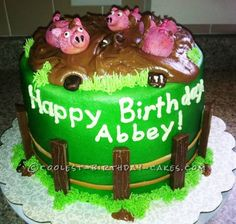 Coolest Muddy Piggies Cake... This website is the Pinterest of birthday cake ideas