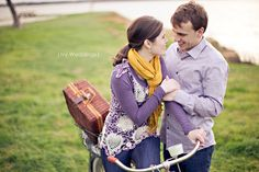 10 Dallas Vintage Bicycle Picnic Engagement - Photos by Ivy Weddings