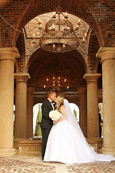 Bella Collina Wedding www.heatherricephotography.com  Tuscan wedding, white wedding flowers
