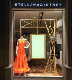 """STELLA McCARTNEY, Barcelona, Spain, """"The future is a blank canvas. What will you create"""", photo by Igertrendy, pinned by Ton van der Veer"""