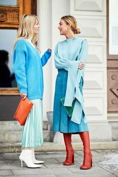 Kicking off 2018 in style, it's the Scandi crew at Stockholm Fashion Week. H… Kicking off 2018 in style, it's the Scandi crew at Stockholm Fashion Week. Here are the best street style looks from the chilly Swedish city. Cool Street Fashion, Look Fashion, Trendy Fashion, Autumn Fashion, Womens Fashion, Fashion Trends, Blue Fashion, Fashion Ideas, Spring Fashion