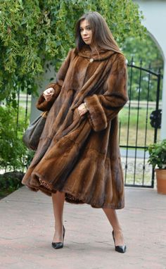 New 2016 Demi Buff Royal Saga Mink Fur Swinger Coat Clas Poncho Sable Fox Jacket Jacket Style, Fur Jacket, Elegant Gloves, Fabulous Furs, Saga, Mink Fur, Fur Fashion, Mantel, Style Guides