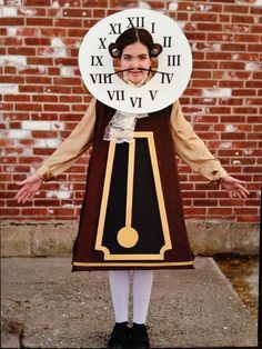 Cogsworth the clock. Created using thick poster board that was painted black then covered with fabric. Pendulum & border is painted poster board. One side of the costume is Velcro shut. Shoulders have swirls made from spray-painted foam. Clock head is hel Homemade Halloween, Diy Halloween Costumes, Halloween Cosplay, Halloween Crafts, Beauty And The Beast Halloween, Beauty And The Beast Diy, Diy Beauty And The Beast Costumes, Cogsworth Costume, Costume Carnaval