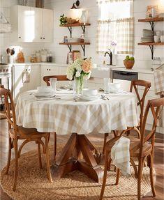 Farmhouse Tablecloths, Birkenstock, Buffalo Check Tablecloth, Modern Country, Country Living, French Country, Country Chic, Small Dining, Round Tablecloth