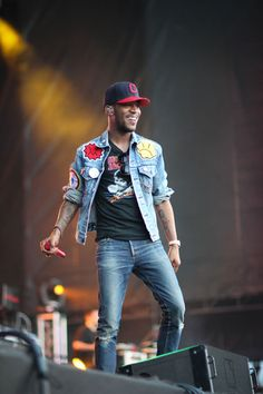 Williamsburg Waterfront - Kid Cudi's Greatest Outfits | Complex