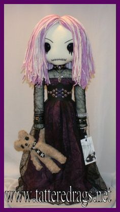 Tattered Rags: LOVE these zombie dolls!!
