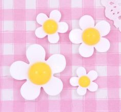 Cute White & Yellow Kawaii Daisy Flower #Cabochons #Decoden Kitsch. #Jewelry #Clothing