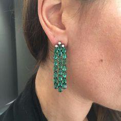 Emerald Earrings @sutrajewels #Bjc #Sutrajewels #Bahrain Jewelry Center, I Love Jewelry, Fine Jewelry, Prasiolite, All Gems, Emerald Earrings, London Blue Topaz, Chandelier Earrings, Gemstone Jewelry