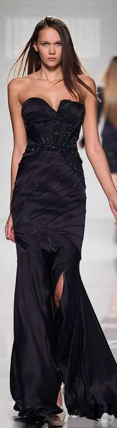 Beautiful black long dress perfect for a red carpet!!!