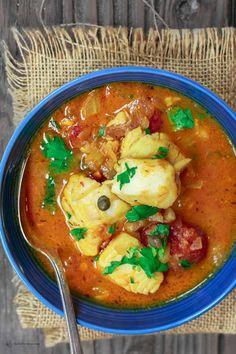 Sicilian Style Fish Stew Recipe: All-star recipe for fish stew with a Sicilian twist! The comfort of Italian flavors in one delicious stew w/ white wine-tomato broth, capers, raisins more! Fish Recipes, Seafood Recipes, Gourmet Recipes, Soup Recipes, Cooking Recipes, Healthy Recipes, Cooking Pork, Healthy Soup, Quick Recipes
