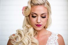 How much do you love this bridal look? This is a perfect example of a great way to transition from an updo during your cerem. Vintage Wedding Hair, Elegant Bride, Bridal Looks, Updos, Wedding Hairstyles, Our Wedding, Make Up, Hair Styles, Pretty