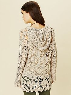 Crochet Speckled Hoodie from Free People - love it! ☂ᙓᖇᗴᔕᗩ ᖇᙓᔕ☂ᙓᘐᘎᓮ http://www.pinterest.com/teretegui