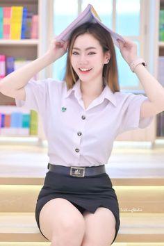 Cute Girls, Cool Girl, University Girl, Asian Model Girl, Teen Girl Outfits, Beautiful Asian Women, Sexy Asian Girls, Asian Fashion, Asian Woman