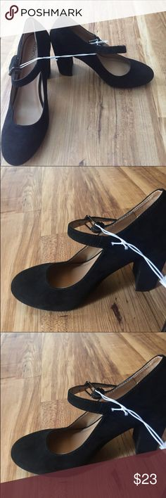 NWOT Merona Black Mary Jane Heels NWOT Merona Black Mary Jane Heels Merona Shoes Heels