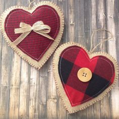 Christmas Hanging Hearts / Xmas Classic Plaid Ornaments / Christmas tree Ornaments / Christmas Fabric Ornaments / Set of 2 / Handmade